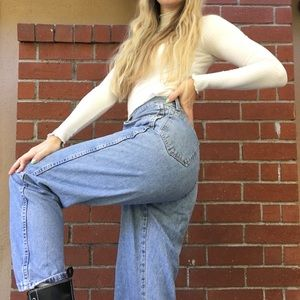 Light wash high waisted denim Wrangler mom jeans